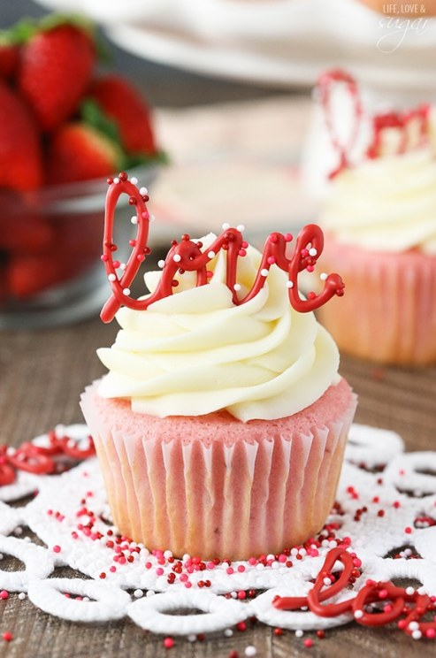 Strawberry-Cupcakes-Cream-Cheese-Frosting4